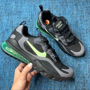 NWOT Nike Air Max 270 React Sneakers Black Volt